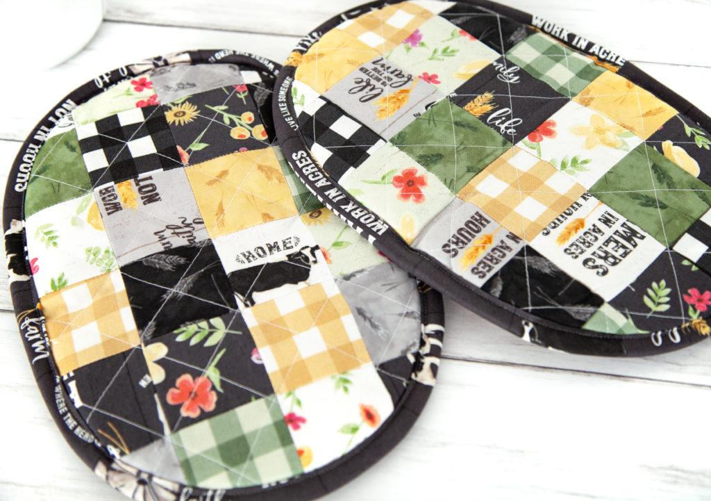 Homestead Life – Patchwork Potholders + FREE Tutorial!